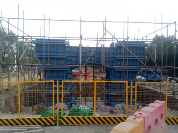 [s]机场路高架(三环线~马池路)工程墩柱首件浇筑圆满完成(吴熙臣摄).jpg